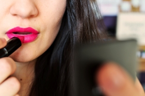 woman-makeup-beauty-lipstick_1232x816